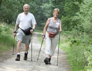 걷기운동하는 사진
